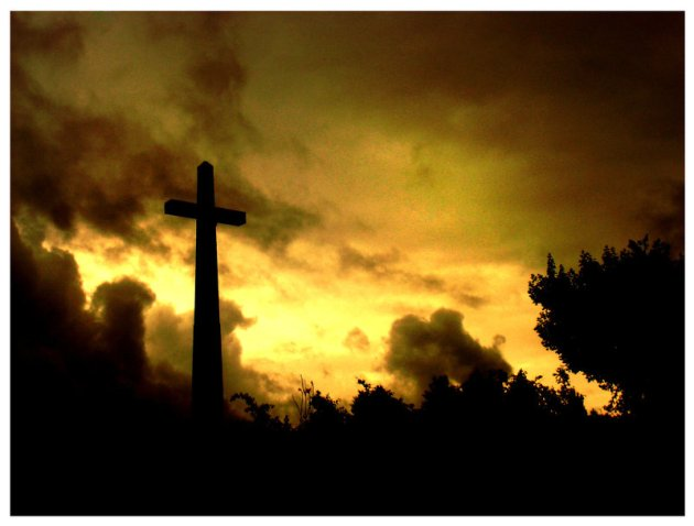 The_cross_by_Paik666